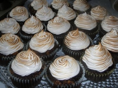 Chocolate Graham Cracker Cupcakes With Toasted Marshmallow Recipe by ...