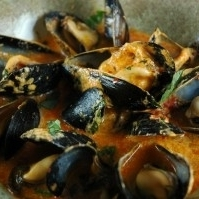 Steamed Mussels in Thai Red Curry Broth