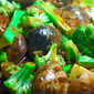 Stir-Fried White Clams And Broccoli In Oyster Sauce