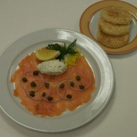 SMOKED SALMON WITH TOASTED BRIOCHE