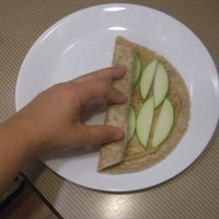 Peanut Butter Apple Cinnamon Breakfast Wraps