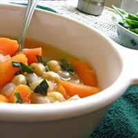 Lemon Garlic Chickpea Soup