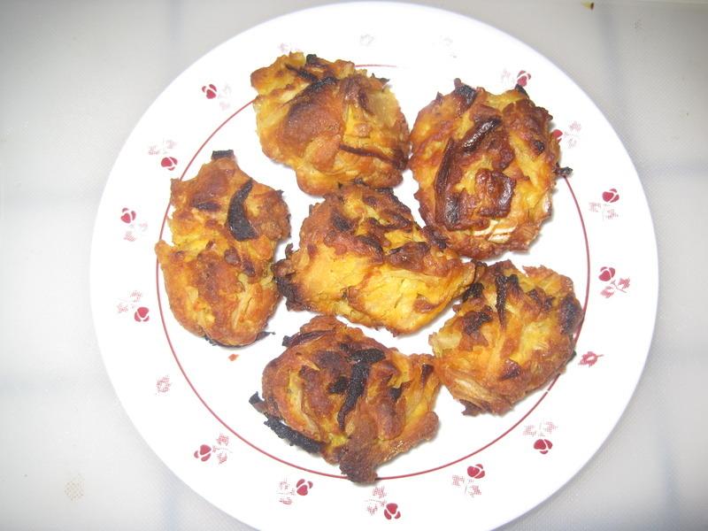 Baked onion pakora (fritters) Recipe by Latha - CookEatShare