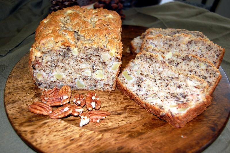 Apple Maple Pecan Bread Recipe by Melinda - CookEatShare