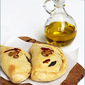 {Baking/Vegetarian} ROASTED BELL PEPPER, MUSHROOM & RICOTTA CALZONES ... l♥ved 'em!