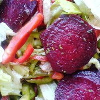 Beetroot Salad with Peppers and Lettuce