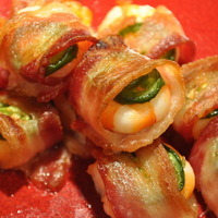 SHRIMP WRAPPED IN BACON WITH JALAPENO