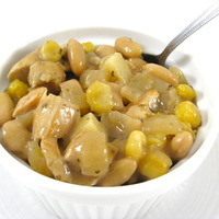 Delightfully Light Chicken and White Bean Chili
