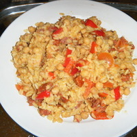 Image of Arroz Con Chorizo, Pimientos Y Garbanzos - Rice With Chorizo, Red Peppers & Chickpeas Recipe, Cook Eat Share