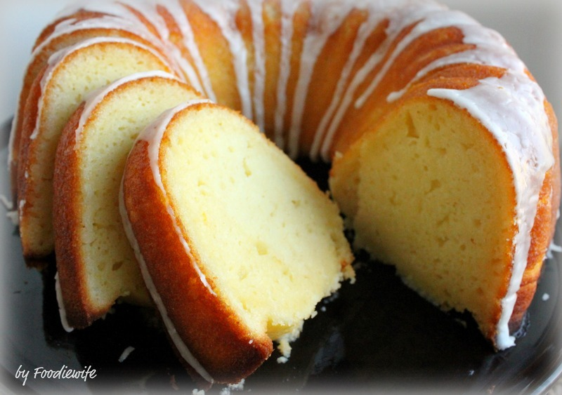 Greek Yogurt Lemon Bundt Cake