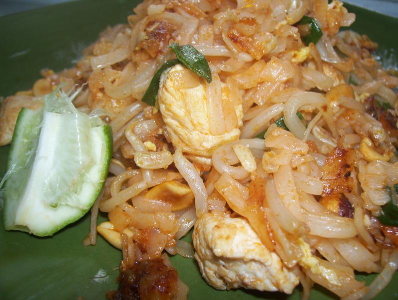 Chicken Pad Thai Recipe by Pretend - CookEatShare