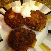 Salmon Cakes with Lemon Yogurt Sauce