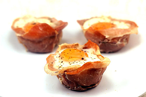 Prosciutto Cups with Eggs, Cheese and Creamy Leeks/Bell ...