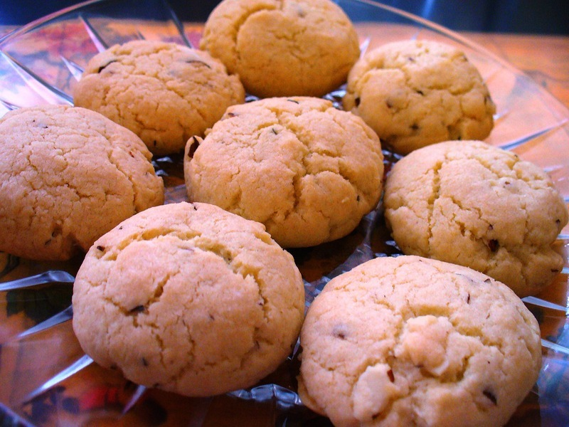 Chinese Almond Cookies Recipe by Lynne - CookEatShare