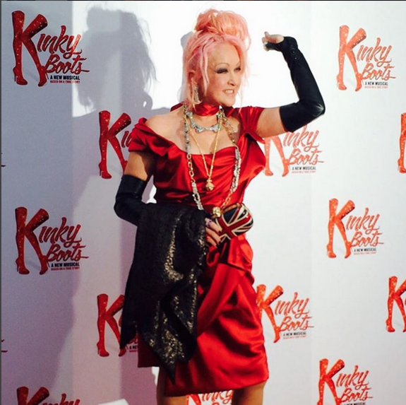 Cyndi celebrates opening night of kinky boots uk cyndi for Kinky boots cyndi lauper