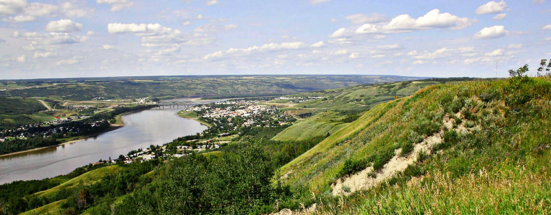 The breathtaking Peace River Valley is a wonderful place to embark on your journey northward.