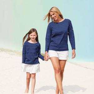 Mommy and me shirts 4eb5448f 05fd 43a5 9cd2 ed49be61374c 590x