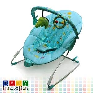 Mecedora Con Suave Vibracion y Juegos Baby Innovation