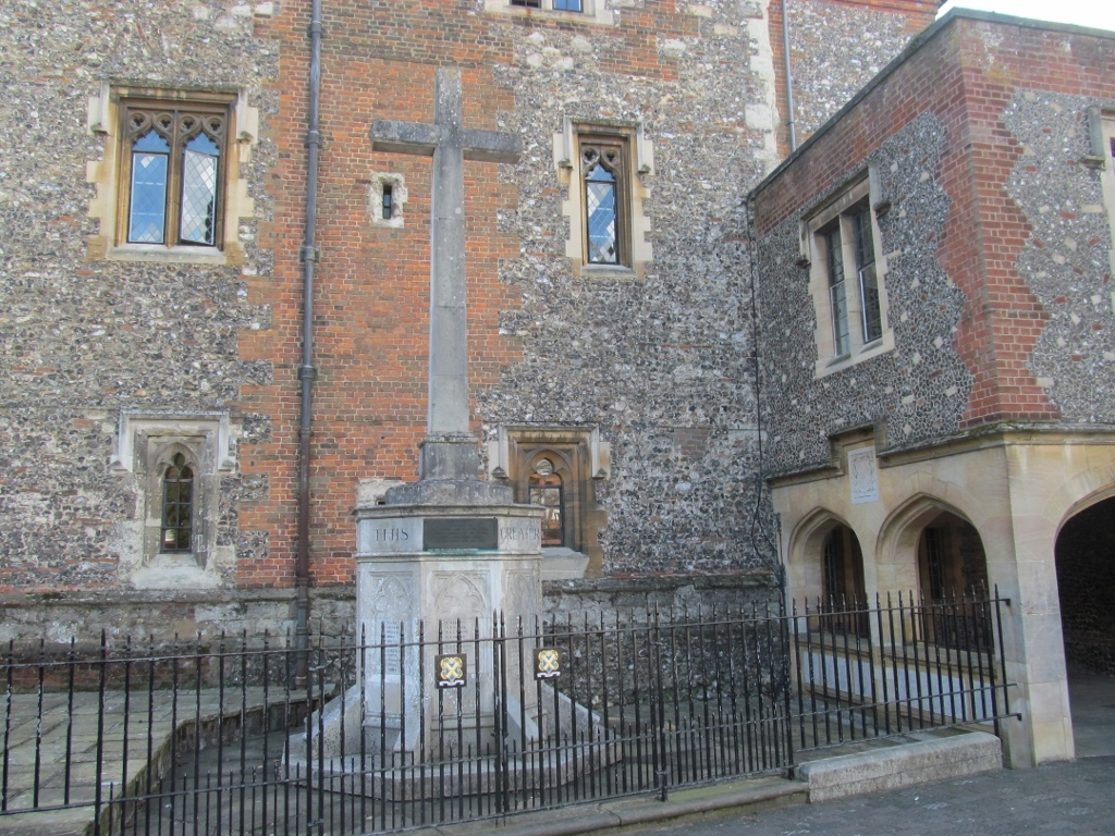 St Albans School Memorial.jpg