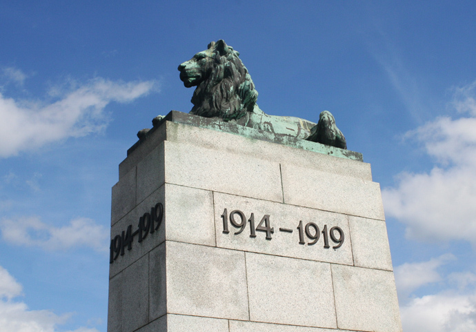 Morecambe War Memorial 3.jpg