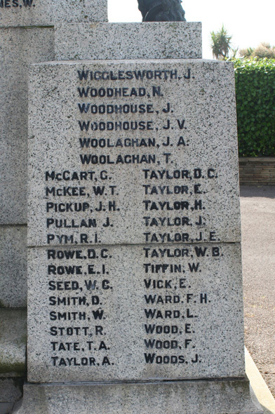 Morecambe War Memorial WW2 M-W.jpg