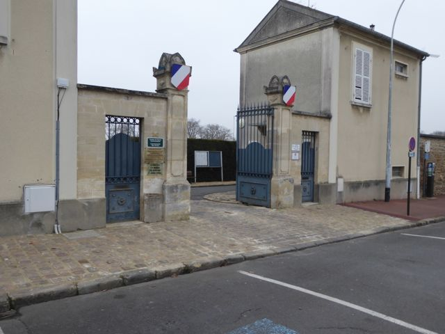 Saint Germain cemetery entrance 2.jpg