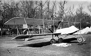 300px-Voisin_scout_biplane_tethered_to_the_ground_(8694217214)_cropped.jpg