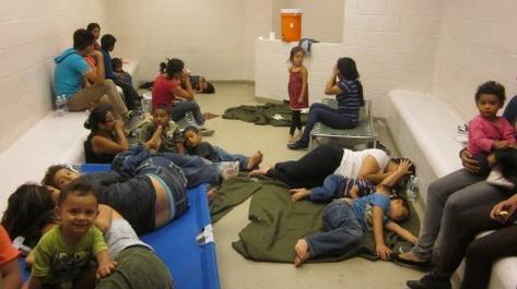 Migrantes-texas-deportados_preima20140608_0187_66_large