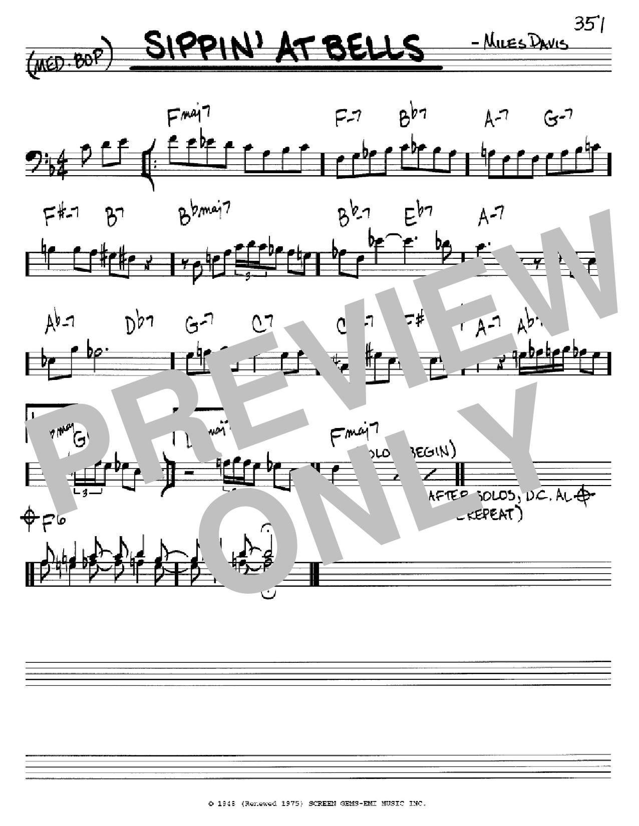 Partition autre Sippin' At Bells de Miles Davis - Real Book, Melodie et Accords, Inst. En cle de Fa