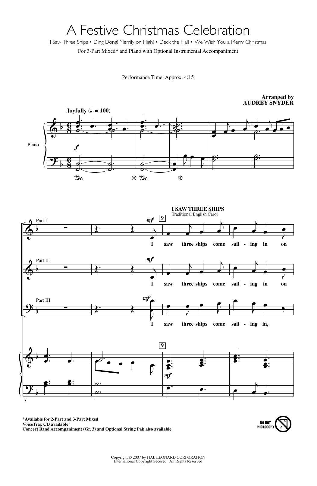 Partition chorale A Festive Christmas Celebration de Traditional Welsh Carol - 3 voix mixtes