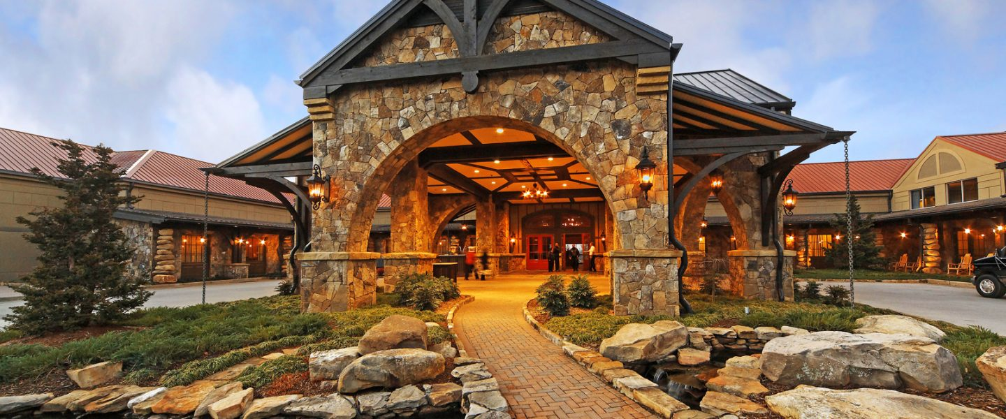 Welcome to Lake Lanier, Georgia! Lake Lanier is one of America's favorite lakes. With several million visitors annually enjoying its recreational facilities, Lake Lanier is the most popular lake in the southeast.