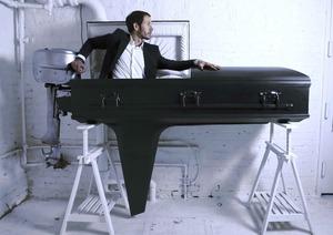 Sebastian_errazuriz_boat_coffin