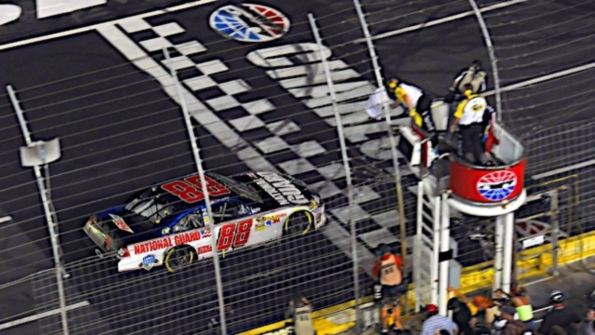 Area hotels reduce rates, waive minimum stays for Charlotte race weekend