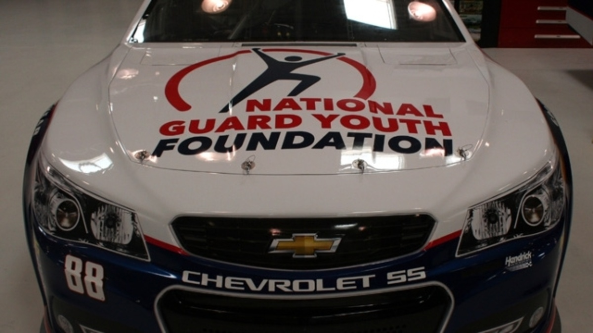 Dale Earnhardt Jr. teams up with National Guard Youth Foundation in Kentucky's Quaker State 400