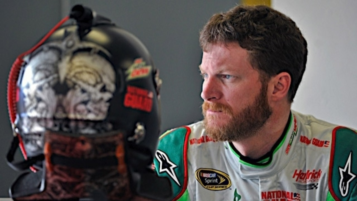 Earnhardt, Kahne qualify in top 10 at Kansas