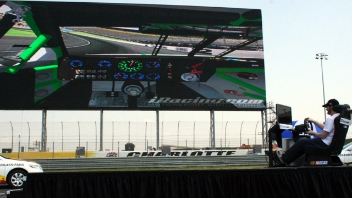 Earnhardt takes world's largest HDTV for a test drive with virtual lap