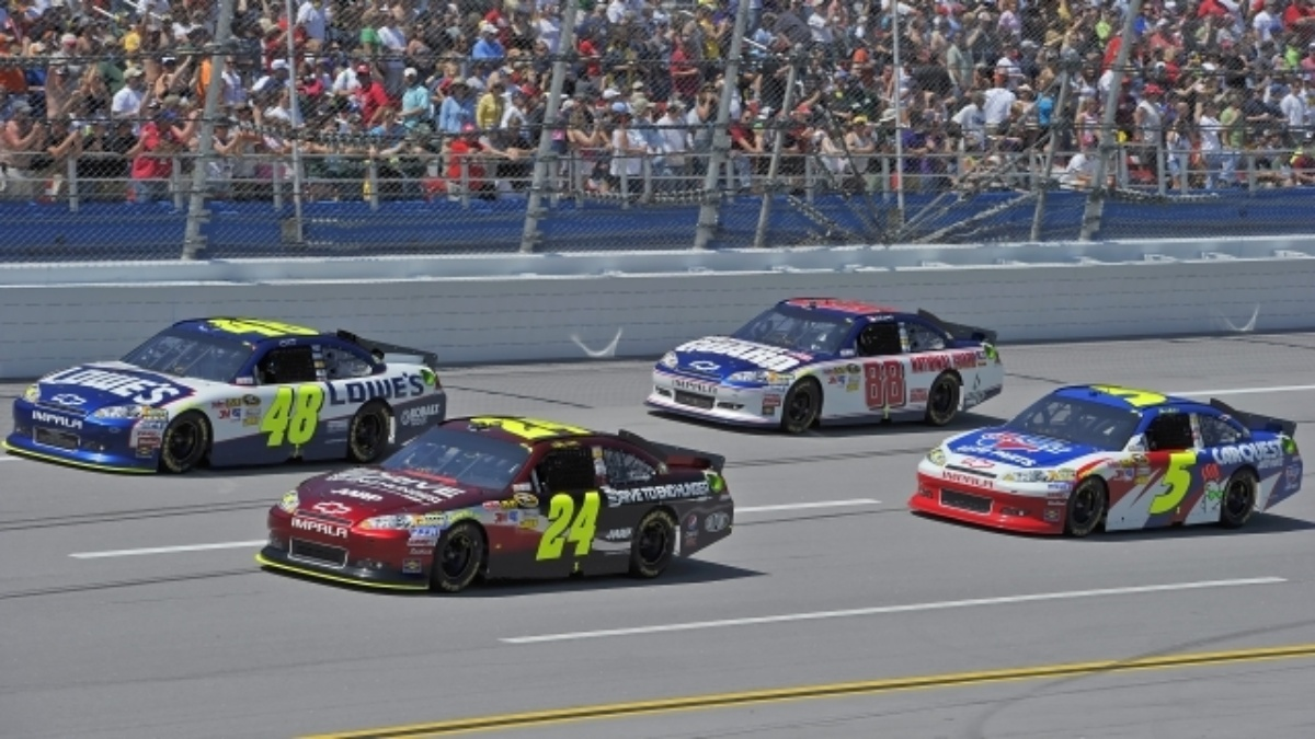 Hendrick Motorsports reaches historic start, eyes milestone win