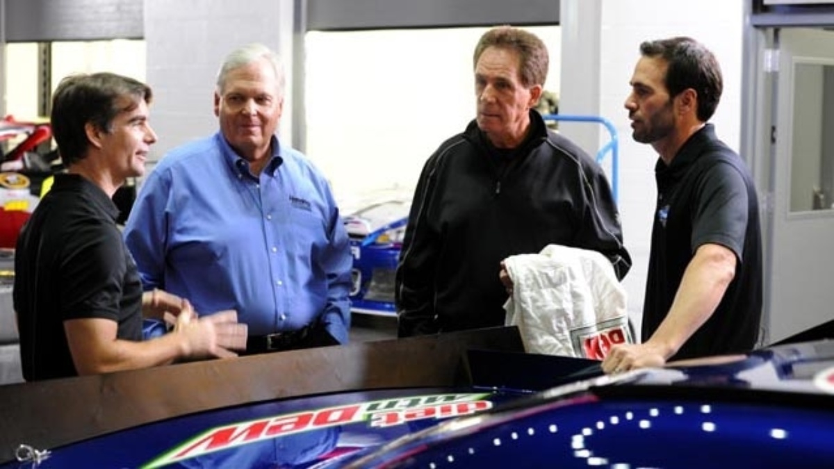 Hendrick and Waltrip reflect on Hendrick Motorsports' road to 200 wins