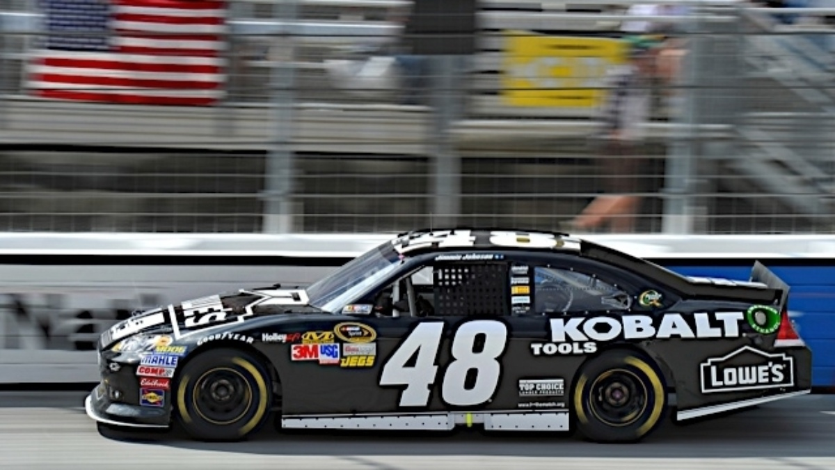 Jimmie Johnson and Lowe's support Hurricane Isaac relief efforts
