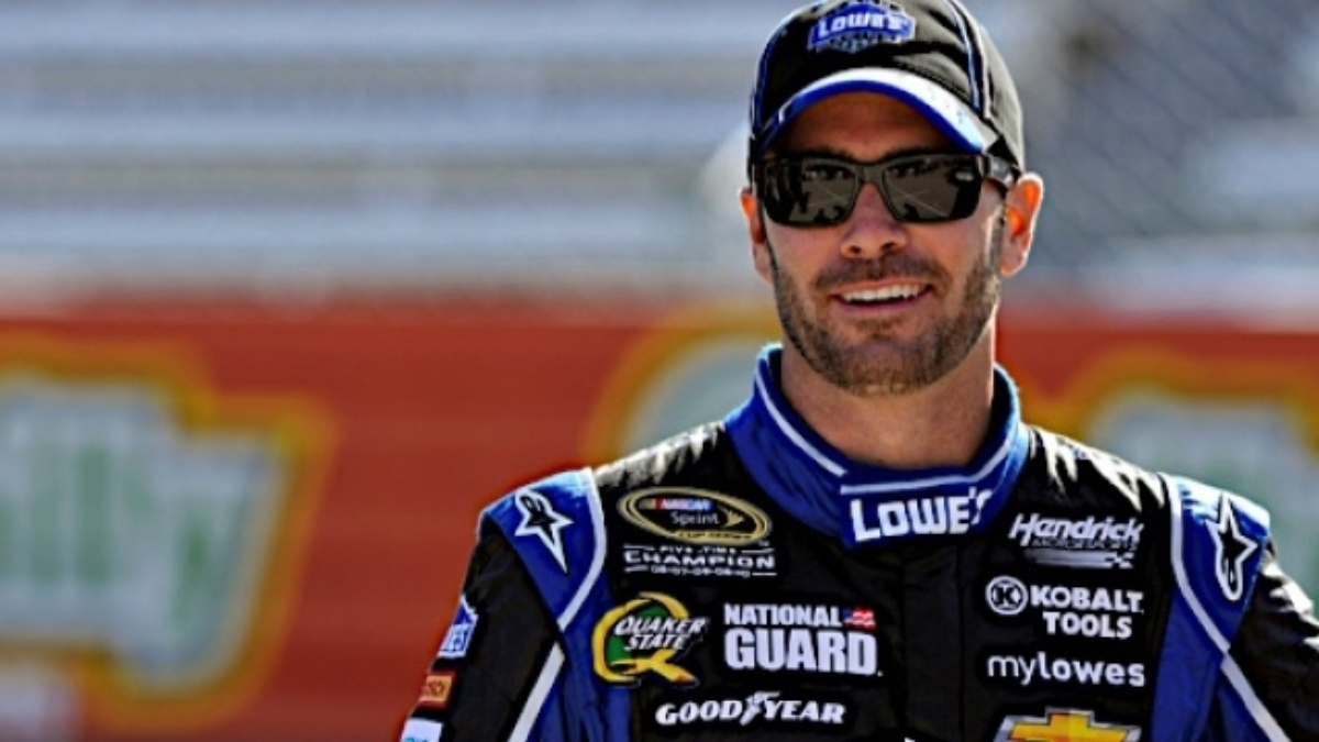 Jimmie Johnson wins Martinsville from pole&#x3B; Gordon, Kahne in top four