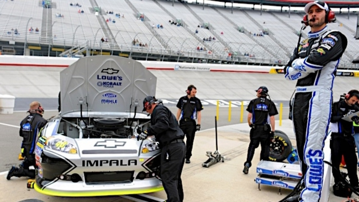 Johnson, Gordon, Martin qualify in top 10 at Bristol