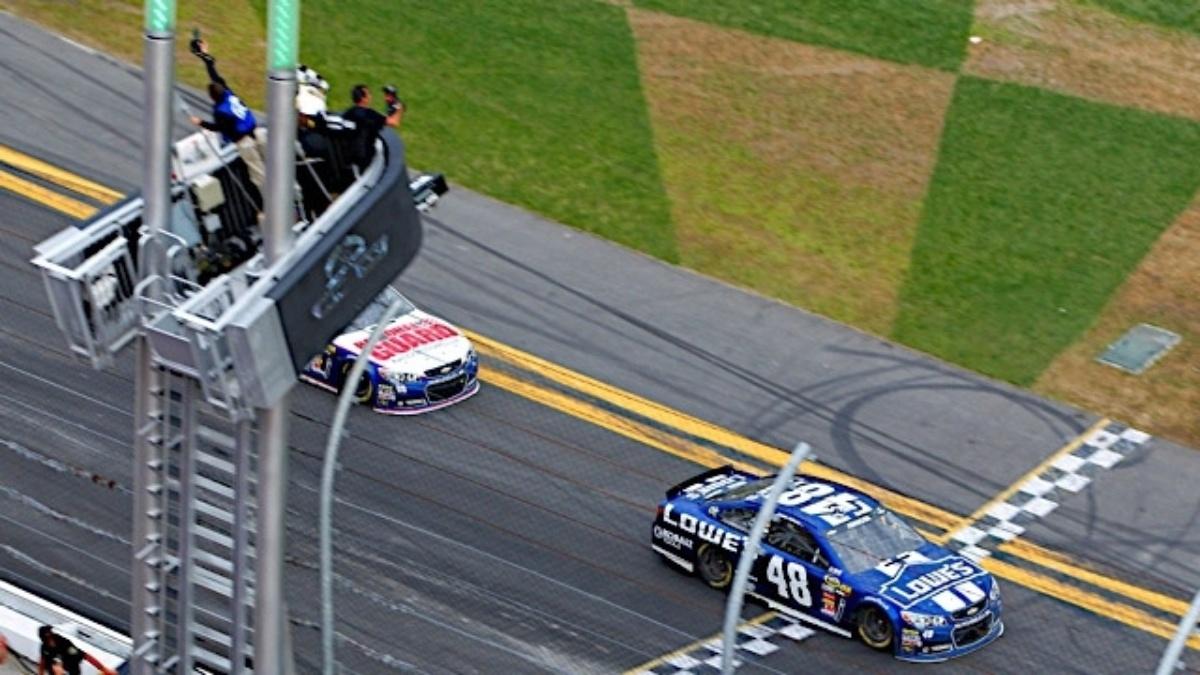 Johnson wins, Earnhardt second in Daytona 500
