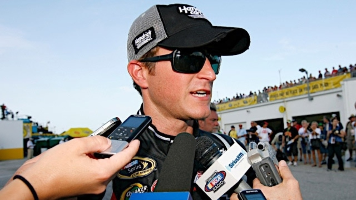 Kahne, Gordon, Earnhardt in top 15 after wild Daytona finish