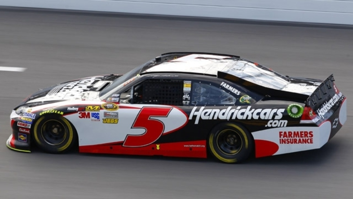 Kahne, Gordon qualify in top six at Daytona