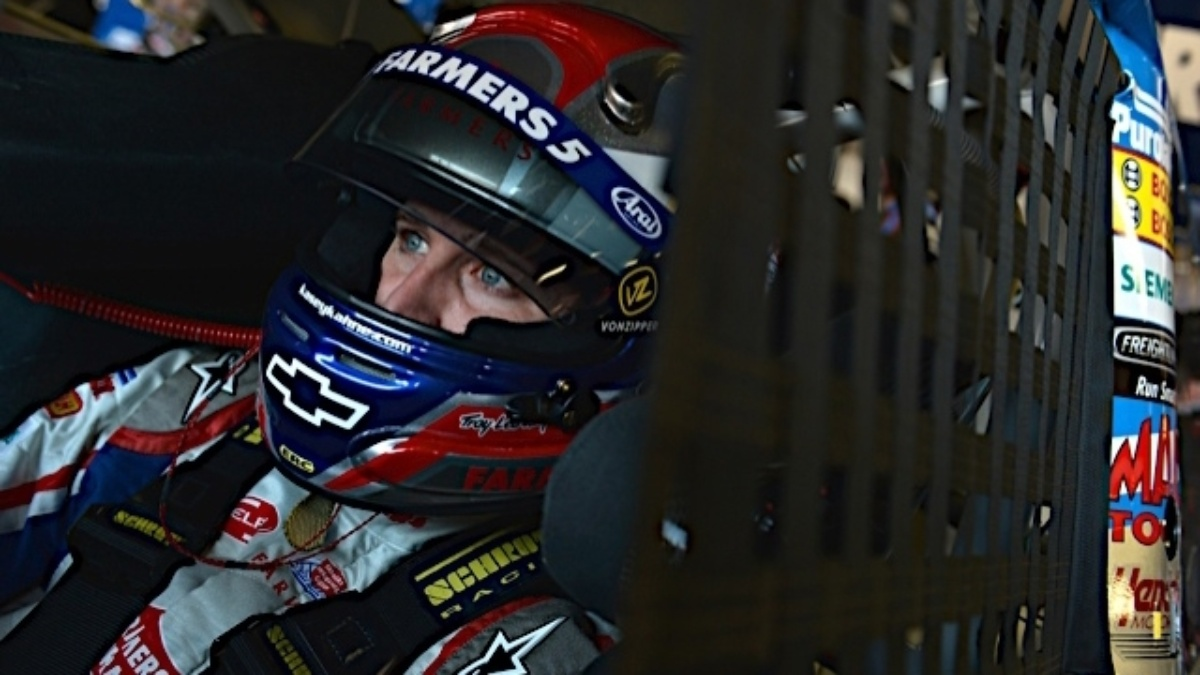 Kahne third, Earnhardt fourth at Michigan