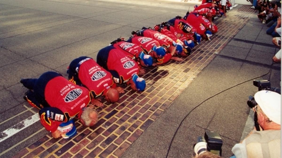 Looking back at Jeff Gordon's 2001 Brickyard 400 win