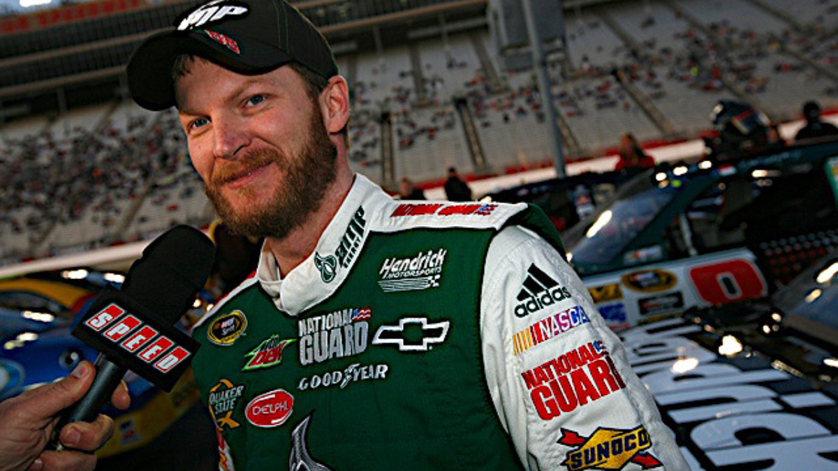Atlanta qualifying: Earnhardt on pole, Martin and Gordon in top five