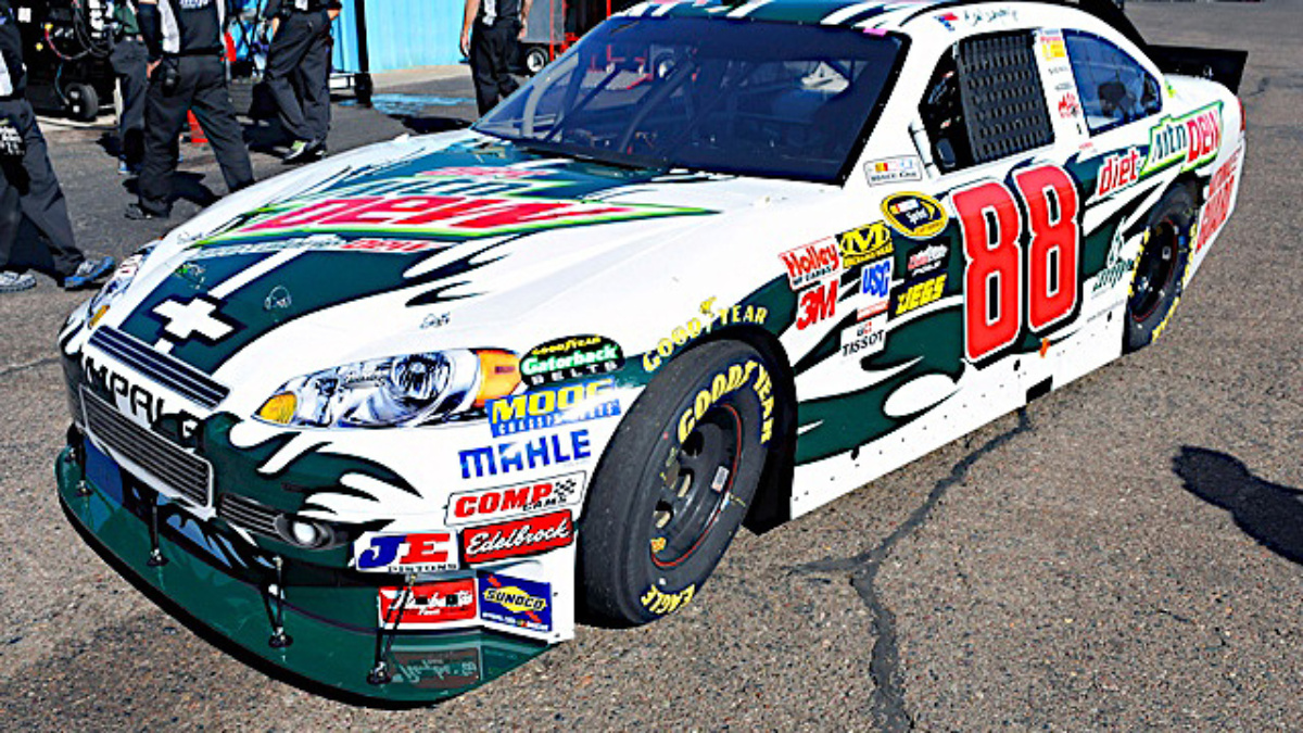 Dale Earnhardt Jr. selects Diet Mountain Dew 'Paint The 88' design to drive at Phoenix