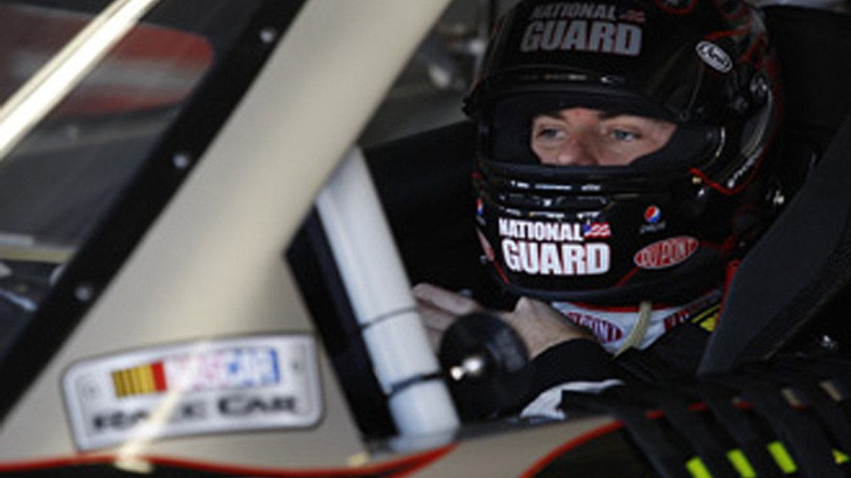 Darlington qualifying: Gordon and Martin in top five