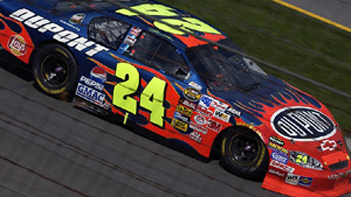 Gordon Nabs Top-10 at New Hampshire